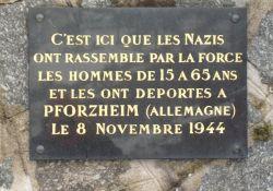 Gedenktafel an der Kirche für die Deportierten