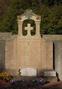 Totendenkmal am Friedhof