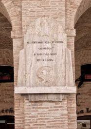 Gedenktafel für alle Opfer des Befreiungskampfes in Caldarola