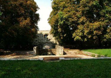 Castello – Fossa dei Martiri