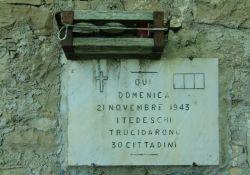 Gedenktafel am Bauernhaus