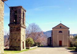 Kirche mit Turm (© Pierre Bona, Wikipedia)