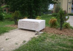 Stele für getötete FUJ-Mitglieder