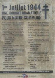 Tafel mit den Namen der Opfer