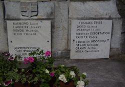Tafel am Totendenkmal