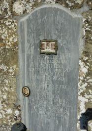 Eines der Gräber