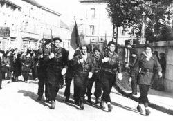 Defile der Maquisards 1943 © Collections départementales des Musées de l'Ain