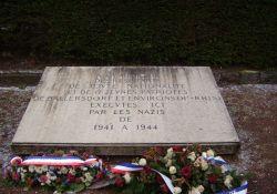 Gedenktafel an der Kiesgrube des KZ Natzweiler-Strufhof