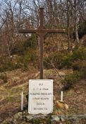Kreuz für die ermordeten Partisanen