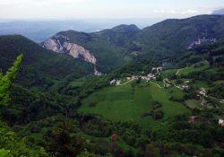 Malleval-en-Vercors oberhalb des sehr engen Tals; Quelle: Wikipedia
