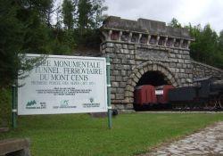 rekonstruierter ehem. Tunneleingang