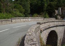 Die  – wieder aufgebaute – Rajo-Brücke