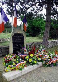 Stele der acht Erschossenen, Quelle: cvrduvaucluse.canalblog.com