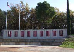 Wand mit Totentafeln