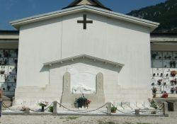 Gedenkstätte auf dem Friedhof von Fonzaso