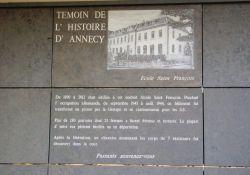 Tafel am Carré Saint-François