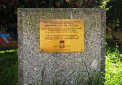 Gedenkstein für die Hilfe der Schweizer
