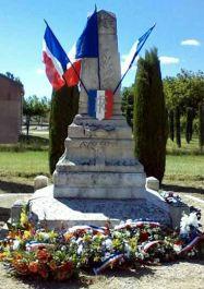 Denkmal der acht Erschossenen v. 14.7.1944; Quelle: cvrduvaucluse