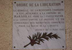 Tafel zur Verleihung der Résistance-Medaille