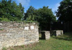 Ruinen der Ferme des Brées; © *)