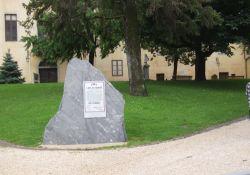 Gedenkstein mit Appell de Gaulle's
