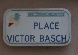 Place Victor Basch am Rathaus