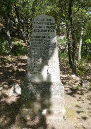 Stele der 13 getöteten Maquisards; JF Languillat, genweb, CC BY-NC-SA 2.0
