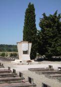 Denkmal der Antifaschisten vor dem Friedhof