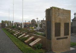 Gräber der Ermordeten (© Luc Beaumadier, wikimedia)