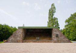 La Maltière : Denkmal und Gedenktafel für 117 Widerstandskämpfer am Schießstand