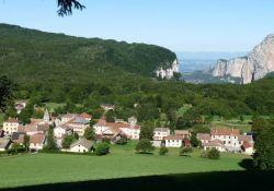 Blick auf Saint-Julien; Quelle: Mairie de Saint-Julien-en-Vercors