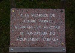 Gedenktafel an Abbé Pierre