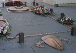 Grabmal des unbekannten Soldaten (© Michael Reeve, Wikimedia)
