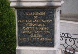 Gedenktafel an die drei französischen Maquisards