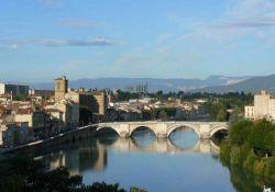 Blick auf Romans-sur-Isère; Quelle: france-voyages.com