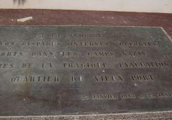 Mémorial, Bodenplatte