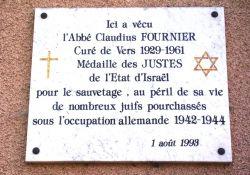 Tafel am Wohnhaus Abbé Fournier