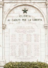 Gedenktafel für die Opfer des Befreiungskampfes am Uhrturm