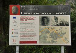 Memoria delle Alpi - Hinweistafel
