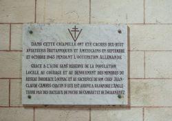 Gedenktafel für die versteckten Piloten in der Kapelle