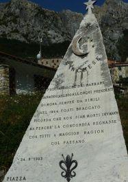 Gedenkstein an der Piazza