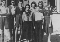 Kinder und Betreuerin La Guespy (USHMM)