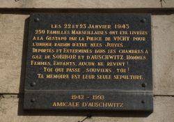 Gedenktafel am Opernplatz