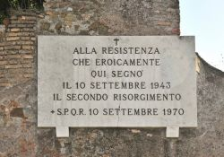 Porta San Paolo - Gedenktafel an der Aurelianischen Mauer