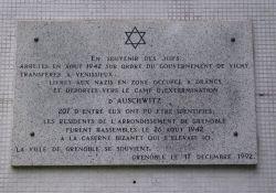 Gedenktafel an 207 deportierte Juden