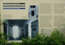 Informationstafel über Folterstätten