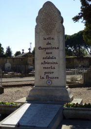 Friedhof, Gedenktafel für afrikanische Soldaten