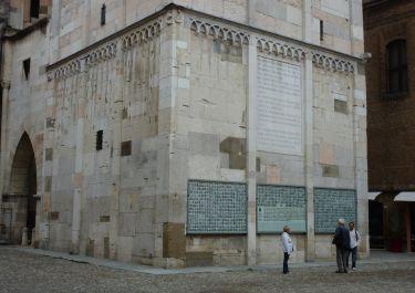 Gedenktafeln für die gefallenen Partisanen der Provinz Modena