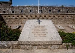 Port-Louis: Memorial und Gedenktafeln für die Erschossenen von Port-Louis