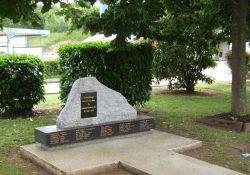 Stele für Bombenopfer